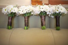 daisy bouquets for weddings | By Maggie Lord In: Barn Weddings , Real Rustic Country Weddings