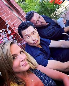 Credit:@juliebenzmft on IG Hanging with these boys today.... Don't mess with us!!! @danieldaekim #alexoloughlin #H50 1/16