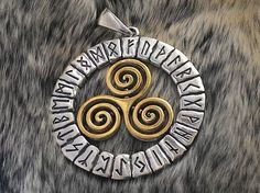 Celtic Pendant.Triskele Pendant.Triskelion Pendant.Triskele Pendant.Celtic Necklace.Celtic Jewelry.Triskele Necklace.Triskelion Necklace.