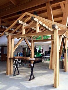 terrasse en bois avec paliers et pergola patio. Black Bedroom Furniture Sets. Home Design Ideas