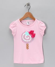 Featuring adorable cap sleeves and a chic chapeau embellishment, this pretty piece will have little ones doing twirls all day long. Pair with some lovely leggings to create a cozy outfit that is sure to become a fast favorite. Fashion Kids, Kids Frocks, T Shirt Diy, Sewing For Kids, Diy Clothes, Baby Dress, Applique, Kids Outfits, Girls Dresses