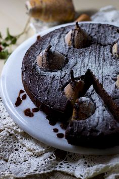 Ruoka-alkemisti: Täyteläinen suklaakakku päärynöillä