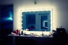 Bauen Sie einen Hollywood-Spiegel selber.