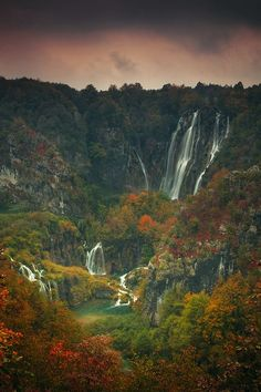 Plitvice Lakes National Park Croatia. Never seen an autumn pic of this, only spring/summer. Looks stunning!: