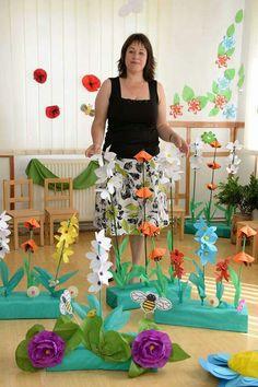 Flower parts. Preschool Crafts, Fun Crafts, Diy And Crafts, Paper Crafts, Paper Flowers Diy, Flower Crafts, Decoration Creche, Diy For Kids, Crafts For Kids