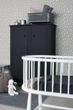 Inspirerande barnrum med tapet från kollektionen Everybody Bonjour 128716. Klicka för att se fler tapeter för ditt hem!