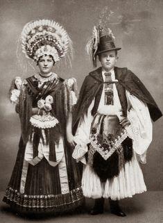 FolkCostume&Embroidery: Costume and Embroidery of Mezőkövesd, Hungary