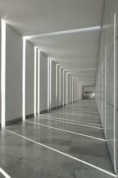 Interior view. Induno Olona cemetery extension by Abdarchitetti. Photography © Alessandro Galperti.