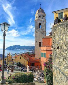Cervo, Liguria. #cervo #imperia #genova #liguria #italy #italia #nature #infinity #amazing #reflection #panorama #horizon #landscape #sea #seaside #sky #skyline #clouds #sunrise #sunset #sunsets #laigueglia #alassio #skyporn #kings_villages #flipitaly #italiainunoscatto #top_italia_photo #IGL_ponente #ig_liguria