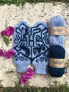 Ravelry: Harry Potter 3 pattern by Lotta Lundin Loom Knitting, Knitting Patterns, Crochet Patterns, Bamboo Knitting Needles, Knitting Kits, Knitting Stitches, Knitted Mittens Pattern, Knit Mittens, Crochet Wool