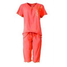 Knalrode dames pyjama met Capri broek voorzien van gekartelde broekspijp- en mouwuiteinden
