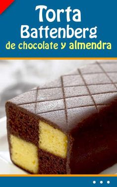 Torta Battenberg de chocolate y almendra Chicken Bacon, Chocolate Lovers, Food To Make, Cheesecake, Food And Drink, Cooking Recipes, Pudding, Sweets, Baking