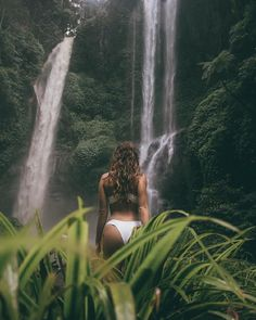 Explore the beauty of Sekumpul Waterfall in Bali, Photo by: IG Costa Rica Pictures, Seattle Pictures, Beach Pictures, Travel Pictures, Creative Pictures, Cute Photos, Photography Poses, Travel Photography, Forest Waterfall