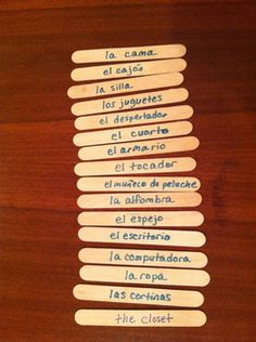 The Popsicle Stick Spanish Vocabulary Game is fun and one students ask for often. The sticks have Spanish words written on one side & English on the other. English Games For Kids, Spanish Lessons For Kids, Learning Spanish For Kids, Spanish Basics, Spanish Lesson Plans, Spanish Language Learning, Teaching Spanish, Learn Spanish, Spanish 1
