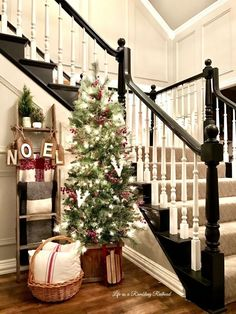 Totally Inspiring Farmhouse Christmas Decoration Ideas To Makes Your Home Stands Out 07 diy christmas gifts, unique christmas gifts, custodian christmas gift Inspiring Farmhouse Christmas Decoration Ideas To Makes Your Home Stands Out 07