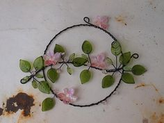 Větvička naděje... / Zboží prodejce Papen | Fler.cz Wire Jewelry, Beaded Jewelry, Copper Wire Art, Diy Wind Chimes, Wire Wreath, Stained Glass Crafts, Wire Crafts, Sun Catcher, Beads And Wire