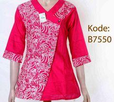 Batik Kebaya, Batik Dress, Batik Fashion, Abaya Fashion, Dress Neck Designs, Blouse Designs, Blouse Batik Modern, Dress Batik Kombinasi, Mode Batik