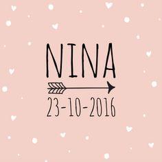 Roze geboortekaartje met een stippeltjes en hartjes patroon en trendy letters, verkrijgbaar bij #kaartje2go voor €1,89