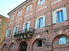 Palazzo comunale...