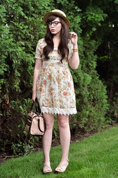Outfit Details: boater hat - H&M (you can find some great ones on Etsy) glasses - Ray-Ban  90s babydoll dress - thrifted and reconstructed (...