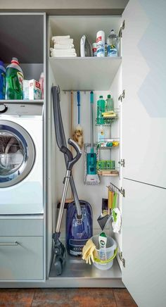 41 Functional And Stylish Laundry Room Design Ideas To Inspire « belviradesign. 41 Functional And Stylish Laundry Room Design Ideas To Inspire « be Pantry Laundry Room, Laundry Room Layouts, Small Laundry Rooms, Laundry Room Organization, Laundry Room Design, Laundry In Bathroom, Laundry Storage, Ikea Laundry Room, Bathroom Storage