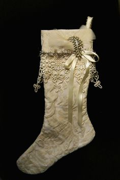 Welcome To Christmas Lady.com! Pictures of lots of beautiful Christmas stockings!.