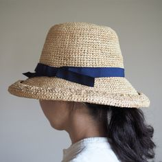 The strength of the sun during the day, hat of raffia that combines fashionable and practicality.  Hajikko will come if you are phosphorus and, ribbon also fashionable.   Viva La Vida RAFFIA crochet hat Tanrimu  http://kanden43.jp/?pid=1600373   #HoldinghandsHerat #VivaLaVida #Raffia #crochethat #hat #strawhat #fashionmiscellaneousgoods #NaturalGoods #LadiesFashion #NaturalFashion #Natural #Naturalsystem #selectshop #Japan