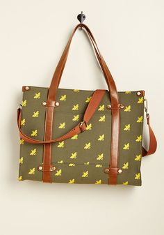 Camp Director Zipped Tote in Bees