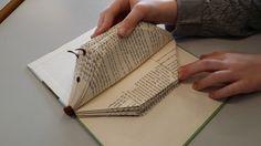 Meine Kollegin Kerstin hatte mit den Vorschülern und Erstklässlern diese süßen Igel aus alten Büchern gefaltet. Das Bild hatte ich auf In...
