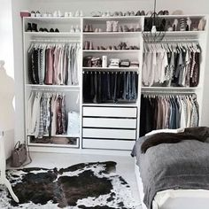 Ikea pax kleiderschrank, closet layout, diy quartos, closet bedroom, ikea p Bedroom Closet Design, Room Ideas Bedroom, Closet Designs, Bedroom Storage, Closet Storage, Wardrobe Storage, Closet Shelves, Clothing Storage, Diy Bedroom