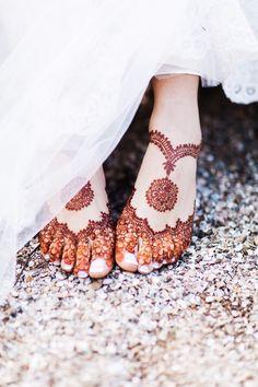 22 Ideas indian bridal mehndi feet henna designs for 2019 Dulhan Mehndi Designs, Mehandi Designs, New Bridal Mehndi Designs, Mehndi Designs Feet, Legs Mehndi Design, Modern Mehndi Designs, Mehndi Design Pictures, Beautiful Henna Designs, Henna Mehndi
