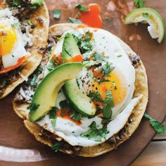 Ranchero Breakfast Tostadas Recipes from the Sprouted Kitchen Cookbook: BA Daily Would be nice for a Mexican theme brunch. Think Food, I Love Food, Good Food, Yummy Food, Tostadas, Eat Breakfast, Breakfast Recipes, Breakfast Tacos, Breakfast Healthy