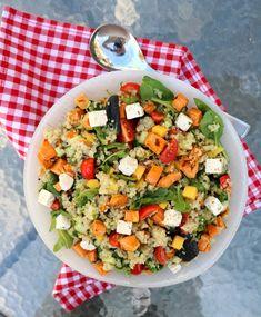 10 knallgode salater som passer perfekt til grillmaten! - LINDASTUHAUG Cobb Salad, Sugar Free, Smoothie, Mango, Food And Drink, Dinner, Dairy, Salads, Manga