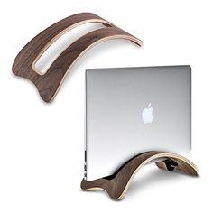 Der Tablet & Laptop Ständer aus Walnussholz ist ein schönes Geschenk für alle die Wert auf Stil legen und ein Laptop oder Tablet haben.