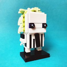 Brickheadz - Beetlejuice (1988) | by jigsawjo Batman Movie 2017, Lego Tv, Lego Games, Lego Design, Lego Projects, Cool Lego, Lego Brick, Beetlejuice, Lego Creations