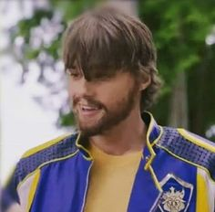 King Ben recovers from being a werewolf Descendants Mal And Ben, Descendants Characters, Disney Descendants 3, Descendants Cast, Kenny Ortega, Decendants, 3 Movie, Modern Disney, Movies 2019