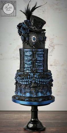 20 Awesomely Made Steampunk Wedding Cakes - Cake Recipes Bolo Halloween, Halloween Wedding Cakes, Halloween Cakes, Creepy Halloween, Steampunk Wedding Cake, Gothic Wedding Cake, Blue Wedding, Dream Wedding, Gorgeous Cakes