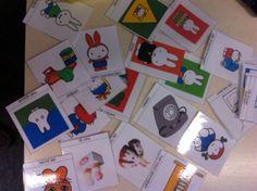 Ik gebruik deze kaartjes om het spel te bevorderen. Kinderen trekken ieder een kaartje, en proberen deze woorden tijdens het spel te gebruiken. Is wel voor de kinderen die al een aardige woordenschat hebben.