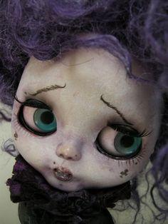 Custom OOAK Blythe « Frozen Charlotte » Pièce unique réalisée par Julien Martinez