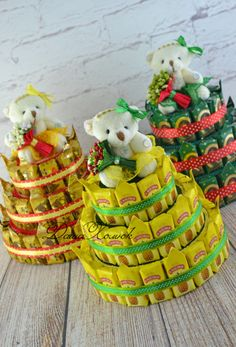 (2) Gallery.ru / Фото #115 - 2016-2 - Kisenok-Lisenok Candy Bouquet Diy, Gift Bouquet, Christmas Candy Crafts, Candy Birthday Cakes, Chocolate Wrapping, Creative Snacks, Nylon Flowers, Candy Art, Diy Gift Baskets