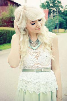 Love her hair! I want this cut.