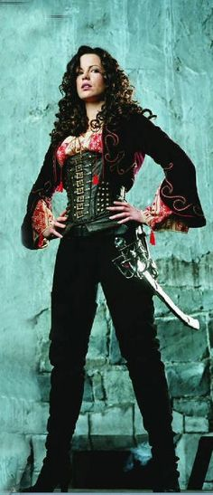 Kate Beckinsale as a monster slayer in Van Helsing Underworld Kate Beckinsale, British Costume, Pictures Of Anna, Hollywood, Fantasy Girl, Steampunk Fashion, Actors & Actresses, Celebs, Lady