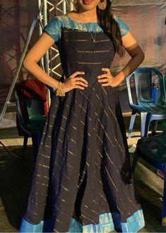 Salwar Neck Designs, Kurta Neck Design, Silk Saree Blouse Designs, Kurta Designs Women, Dress Neck Designs, Long Anarkali Gown, Long Gown Dress, Saree Gown, Frock Dress