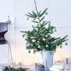 Weihnachtebaum im Zinkeimer Christmas Mood, Xmas, Seasons, Table Decorations, Plants, Furniture, Home Decor, Natural Materials, Light Chain