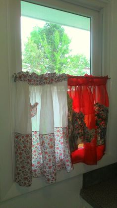 Kitchen curtain from vintage aprons