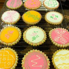 Sugar cookies decorated using a stencil.
