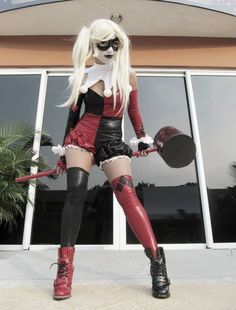Harley Quinn Cosplay ~I don't Really see myself in anything other than the iconic bodysuit/catsuit. But she *really* pulls this off great and she looks really great~ Cosplay Joker, Epic Cosplay, Harley Quinn Cosplay, Comic Con Cosplay, Amazing Cosplay, Joker And Harley Quinn, Halloween Costumes For Sale, Hallowen Costume, Halloween Cosplay