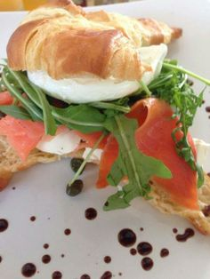 Our delicious Smoked Salmon Croissant topped with fresh rocket and mozzarella. Light meal just right for this summer at Meade Cafe George. #meadecafe #summer