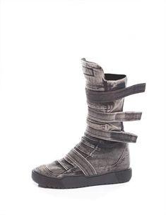 Retro Look High Boots Look Fashion, Daily Fashion, Warrior Fashion, Futuristic Shoes, Apocalyptic Fashion, Post Apocalyptic, Desert Boots, Color Khaki, Retro Look