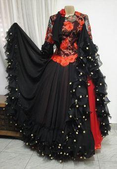 Dance Outfits, Cool Outfits, Skirt Fashion, Boho Fashion, Dance Oriental, Beautiful Dresses, Nice Dresses, Flamenco Skirt, Flamingo Dress